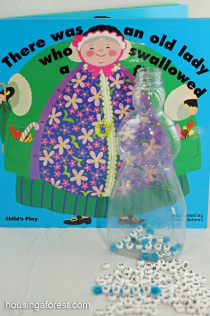 There Was an Old Lady Who Swallowed a Fly Game