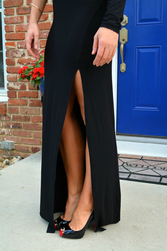 asos one sleeve black maxi dress, ashley from lsr, louboutin peep toe pumps