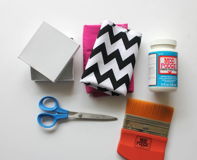 Diy fabric covered jewelry gift box let 39 s wrap stuff for Fabric covered boxes craft