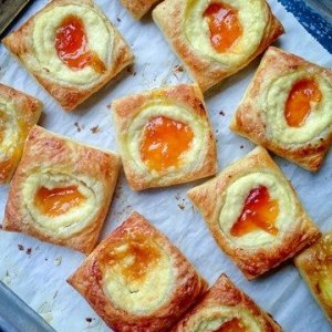 Cheese Cake & Apricot Pastries