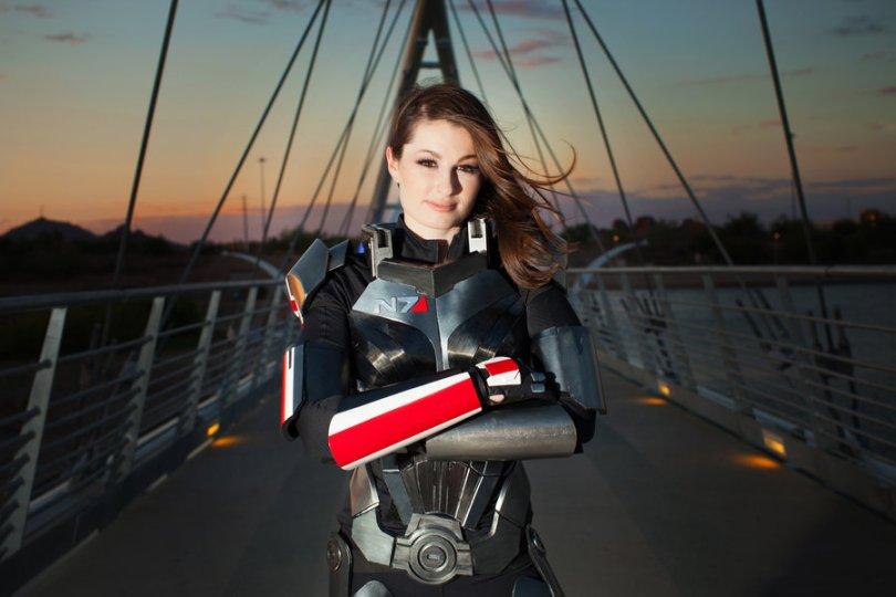 femshep cosplay