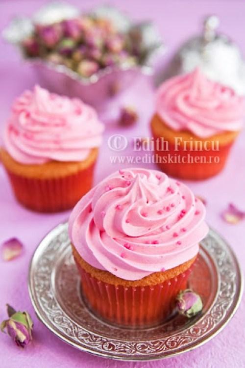 cupcakes cu trandafiri