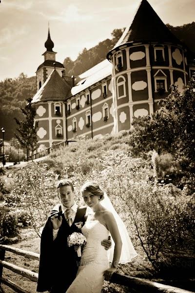 porocni-fotograf-wedding-photographer-ljubljana-poroka-fotografiranje-poroke-bled-slovenia- hochzeitsreportage-hochzeitsfotograf-hochzeitsfotos-hochzeit  (80).jpg