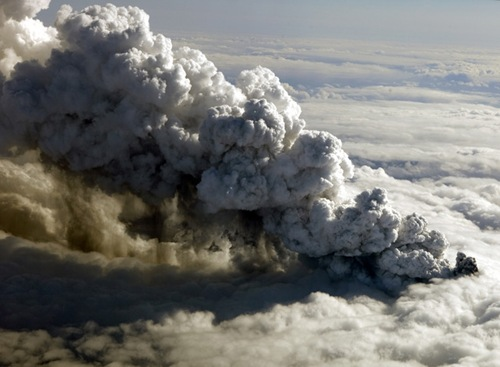 Iceland-Volcano-Eruption_Most-of-flights-cancelled-across-Europe-on-saturday
