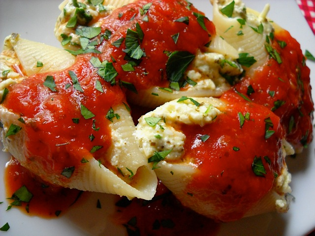 Pesto Stuffed Shells