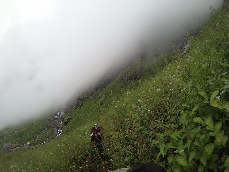hampta pass trekking photos
