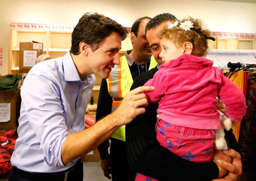 Perdana Menteri Kanada Justin Trudeau Bersama Anak Pengungsi Suriah