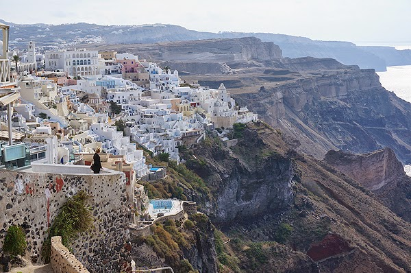 Caldera views in Fira, caldera views in Santorini