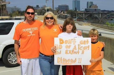 Sign from Bruce Pearl rally