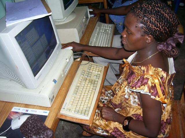 IT Training at HINT - nov19%2B015.JPG