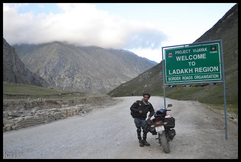 Entering Ladakh honda Cbr 250