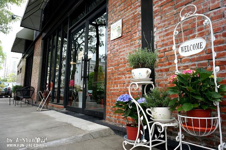 白貓散步輕食館2