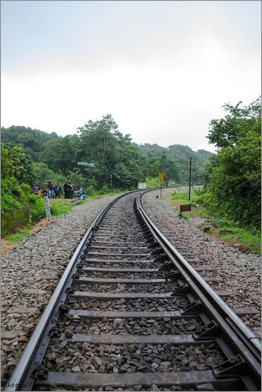 railway track doodhsagar
