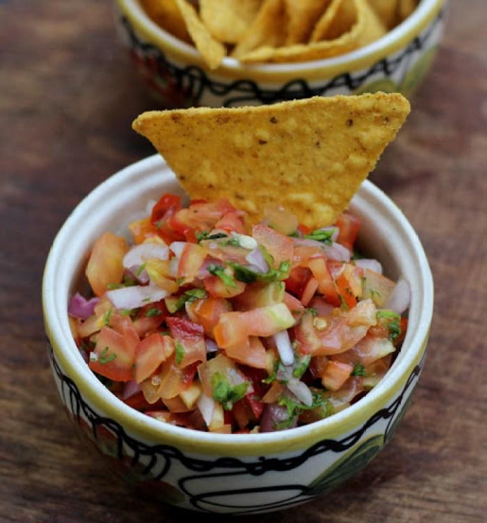 Pico de Gallo Recipe | Mexican Salsa Fresca | Fresh Onion Tomato Salsa | Foodomania.com