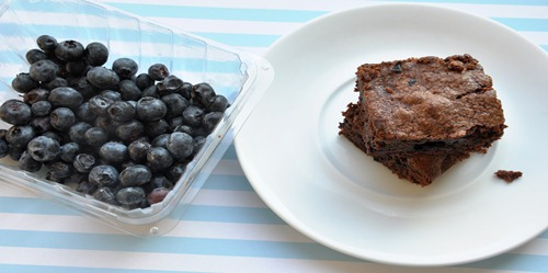blueberry brownies 017