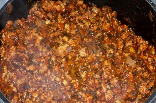 Włoska lazania (lasagne) z mięsem mielonym wloska wieprzowina srednie pieczone obiad makaron danie glowne  przepis foto