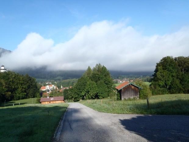 Bereits am Ortsrand von Hohenaschau wird es steil