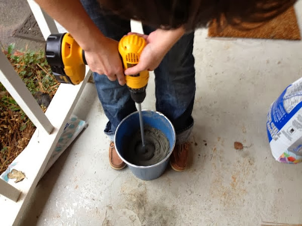 mixing tile mortar