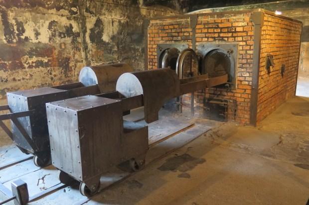 Das angrenzende Krematorium mit den Verbrennungsöfen