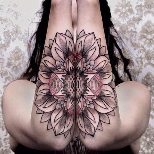 amazing flower tattoos for girls forearm