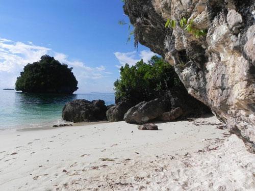 britania islands, san agustin, surigao del sur