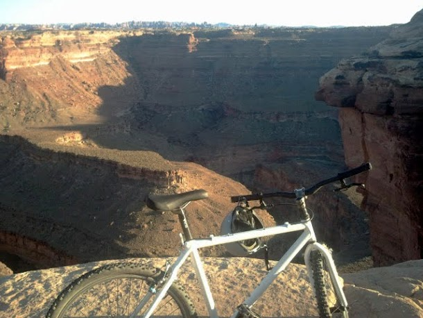 Mountain Biking to Colorado River Overlook in Canyonlands National Park - Needles Section.41_edited.JPG