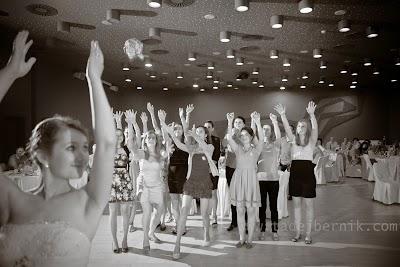 porocni-fotograf-wedding-photographer-ljubljana-poroka-fotografiranje-poroke-bled-slovenia- hochzeitsreportage-hochzeitsfotograf-hochzeitsfotos-hochzeit  (253).jpg