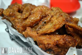 Chicken wings in Soy Garlic and Spicy flavors at BonChon Chicken