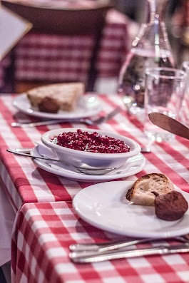 Kjöttbullar på Café TRanan i Stockholm - Food Walk i Stockholm -  Mikkel Bækgaards Madblog