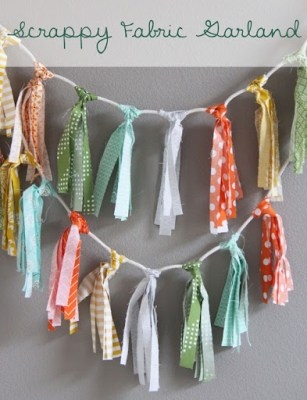Tutorial - Scrappy Fabric Garland