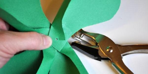 DIY St. Patrick's Day Shamrock Pinwheel 5