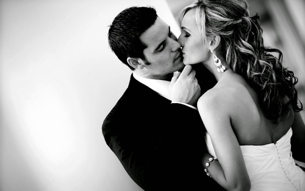Kissing Couple Wallpapers