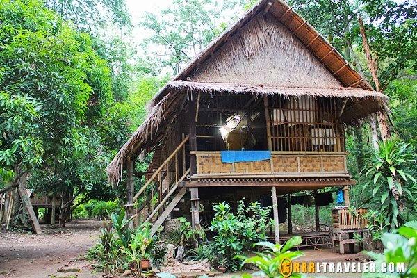 mon village kanchanaburi, mon village burma thailand