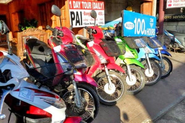 renting a bike in pai thailand