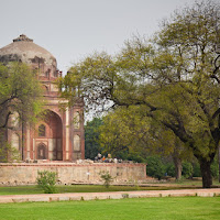 Humayun's Tomb in Delhi - Canon T2i with EF-S 17-55