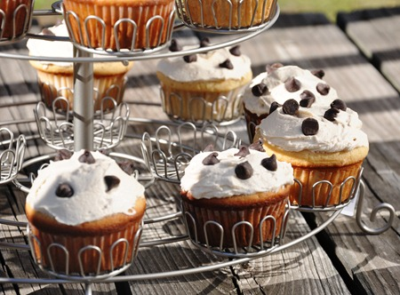 cookie dough cupcake 194