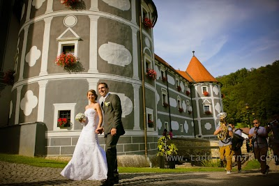 porocni-fotograf-wedding-photographer-ljubljana-poroka-fotografiranje-poroke-bled-slovenia- hochzeitsreportage-hochzeitsfotograf-hochzeitsfotos-hochzeit  (114).jpg