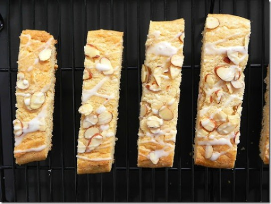 scandinavian-almond-bars-1