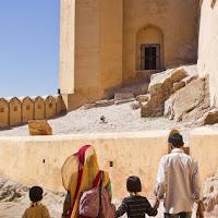 family visiting Amber fort in Jaipur