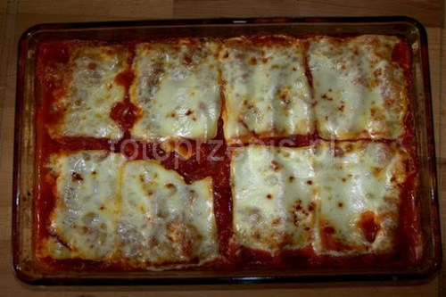 Cannelloni ze szpinakiem w sosie pomidorowym wloska warzywa srednie pieczone obiad makaron europejska danie glowne  przepis foto