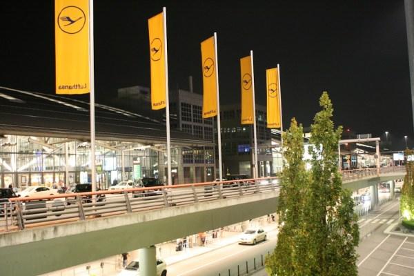 Links das Terminal 2, rechts das Terminal 1