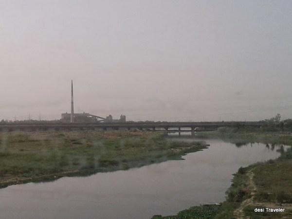 dirty Yamuna River Delhi