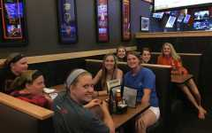 "Softball hosts ""Playoff Bracket Bash"" at BWW: Photo of the day 5/6/15"