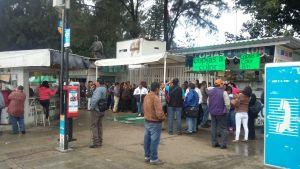 Desconocen maestros a IEEPO y con protesta exigen cese a hostigamientos