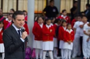 EL SECRETARIO DE EDUCACIÓN VISITA ESCUELA EN EL DF