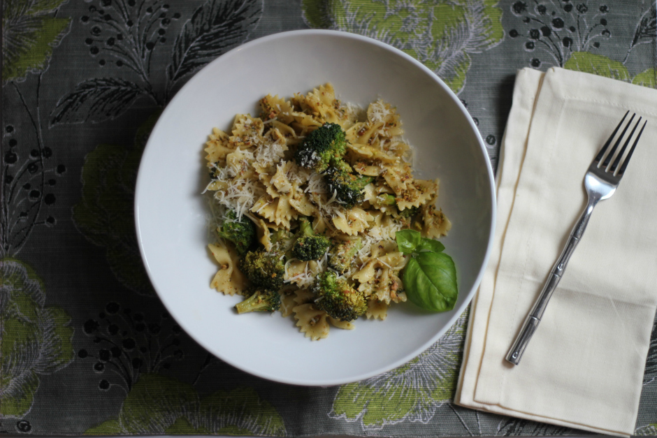 Pasta with Lemon-Pistachio Pesto and Broccoli