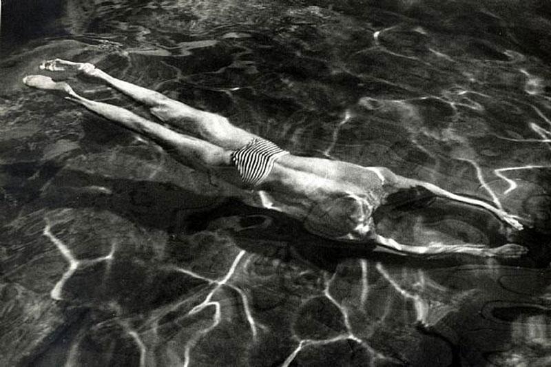 Víz alatt úszó Esztergom, 1917 / blog.ricecracker.net