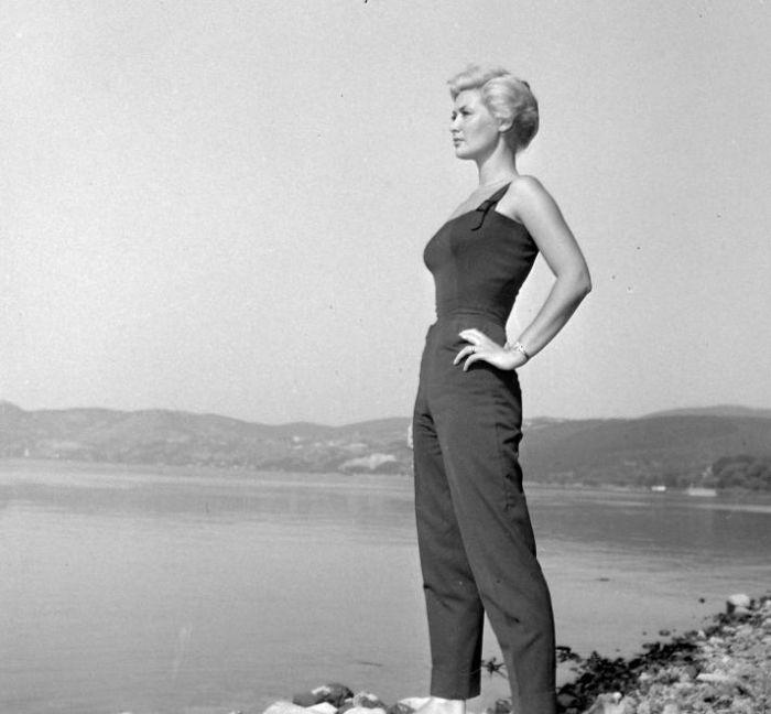 Colette a budapesti Duna-parton 1957-ben