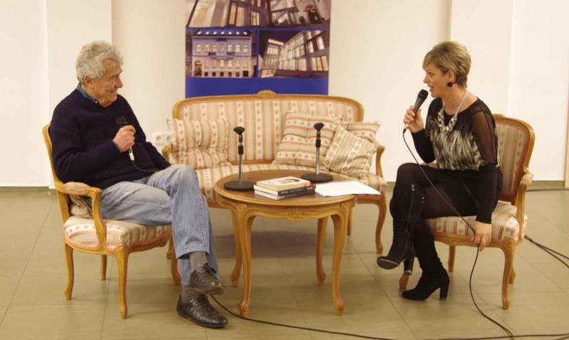 Szilágyi János  és Szilágyi Anita a Sajtóházban megrendezett beszélgetésen - a szerző fotója