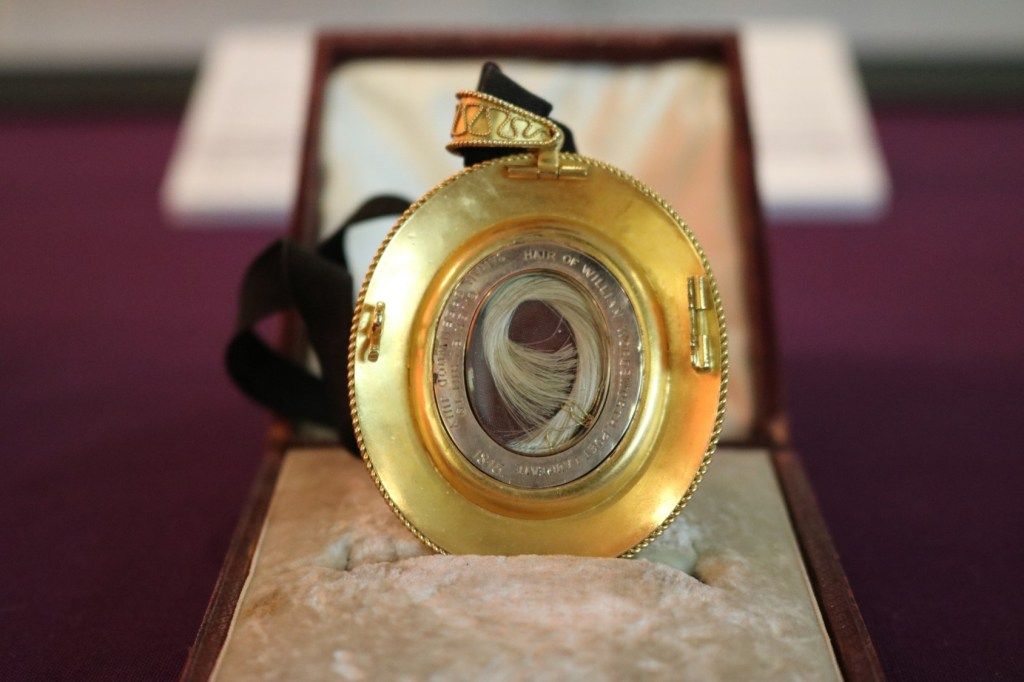 Locket containing Wordsworth's hair